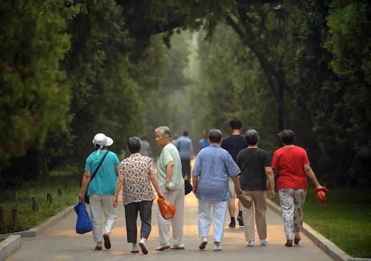 基层工作者如何应对老龄化社会