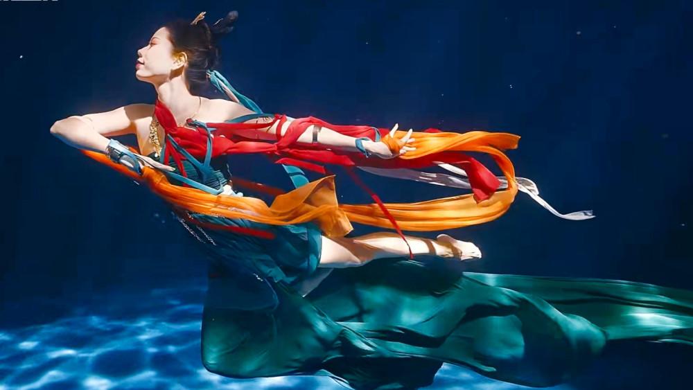 水下飞天.jpg